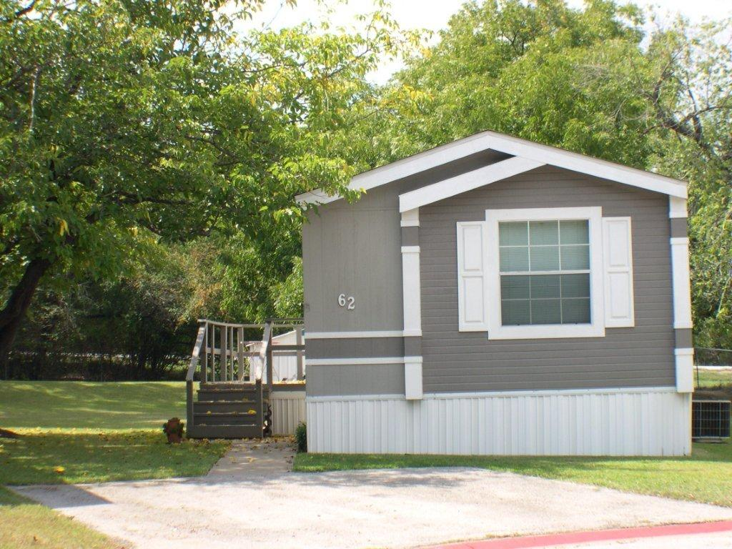 Leisure Living Mobile Home Park in Fort Worth, Texas